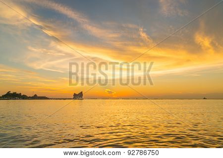 during sunset at Koh Loi Sriracha,Chonburi,Thailand