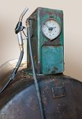 pic of nostalgic  - picture of a old rundown nostalgic fuel pump - JPG