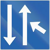 picture of merge  - Icelandic road sign - JPG