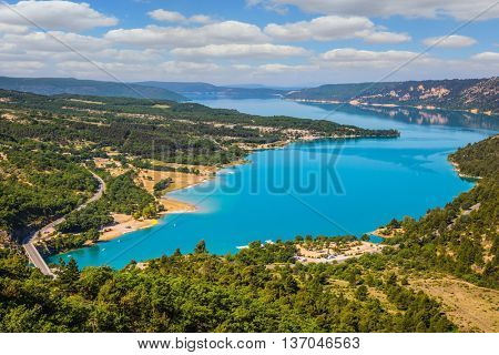 Canyon of Verdon, Provence - spring. Magnificent lake with emerald water