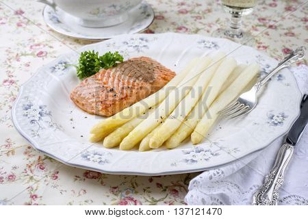 White Asparagus with Salmon Filet on Plate