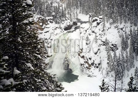 Upper Yellowstone water fall in winter park