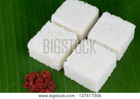 Sri Lankan style milk rice or kiribath in kesel kole