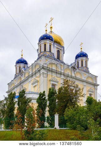 Voznesensky (Ascension) Cathedral - the main Orthodox church in the city of Yelets. Years of construction 1845-1889. Architect K. Ton. The cathedral together with the cross 74 meters length 84 meters width 34 meters. Located on the Red Square in the cente