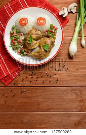 Chicken thighs with white rice, mushrooms and pepper