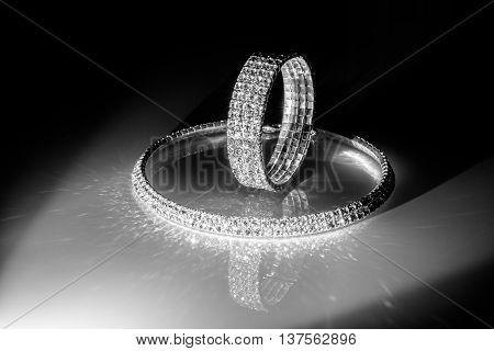 bracelet and necklace of zirconium white glass