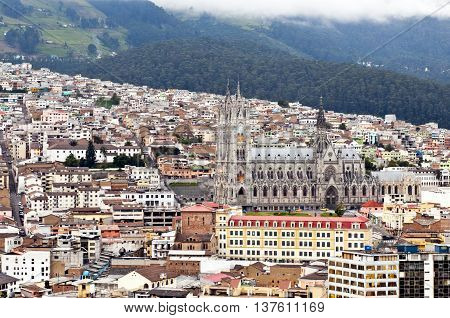 Overview of the historical center of Quito with cattredale