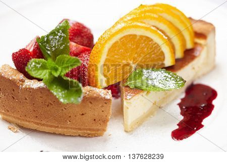cheesecake with fruits