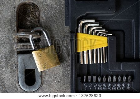 lock master and locksmith tools for fix everything