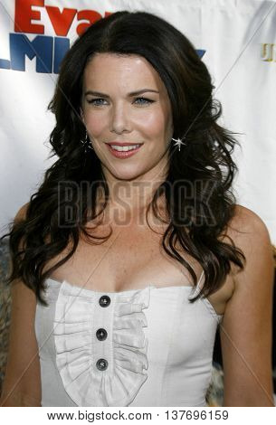 Lauren Graham at the World premiere of 'Evan Almighty' held at the Universal Citywalk in Universal City, USA on June 10, 2007.
