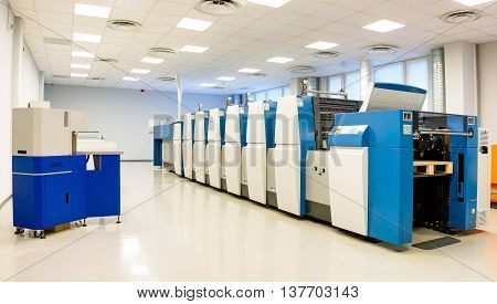 Machine for printing documents and securities .