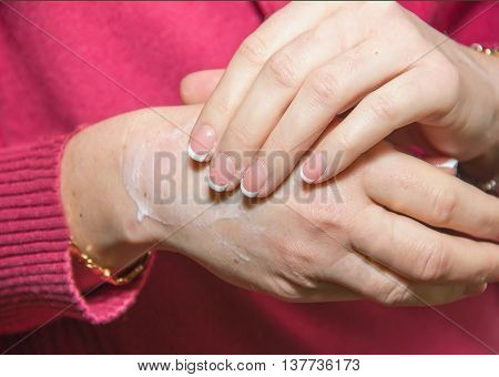 Applying To The Hands Of Cosmetic Moisturizing Cream, Softening And Skin Treatment