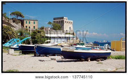 Erchie; Costiera Amalfitana La spiaggia e l'antica torre di avvistamento vicereale - Erchie, Amalfitan Coast The Ancient Tower and the beach   Italy; 2016