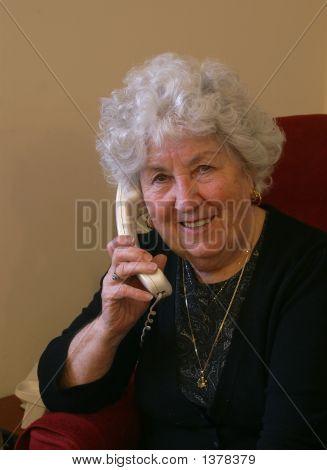 Smiley Gran Calling
