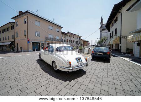 Daimler 250 2.5 V8