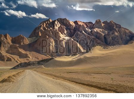 Mountain road through the high central Tibetan plateau, Tibet, China
