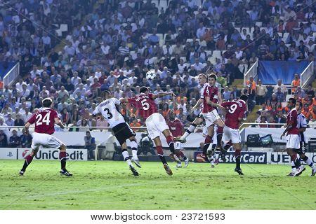 VALENCIA, SPAIN - SEPTEMBER 29, UEFA Champions League, Valencia C.F. vs Manchester United, Mestalla Stadium, Fletcher, Maduro, Ferdinand, on September 29, 2010 in Valencia, Spain