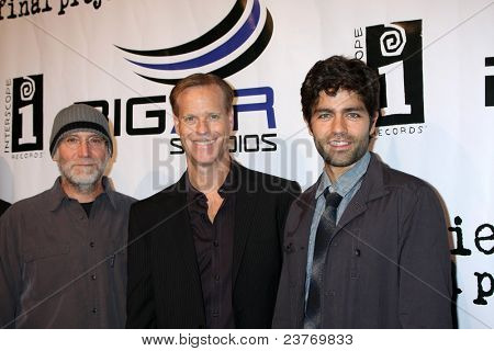 LOS ANGELES - SEPT 22:  David Lee Miller, Adrian Grenier, Michael Arrieta arriving at the premiere of