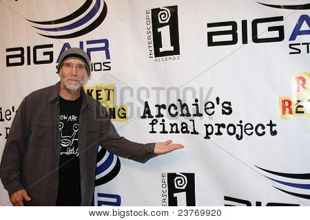 LOS ANGELES - SEPT 22:  David Lee Miller arriving at the premiere of