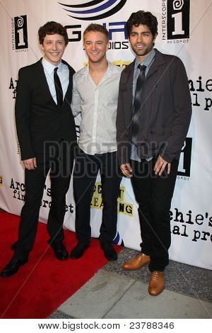 LOS ANGELES - SEPT 22:  Gabriel Sunday, Michael Welch, Adrian Grenier arriving at the premiere of