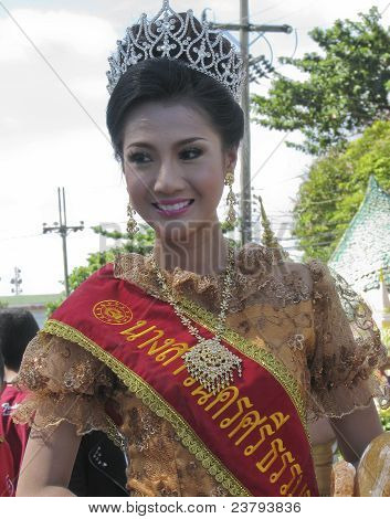 Beauty Queen With Thai Dress