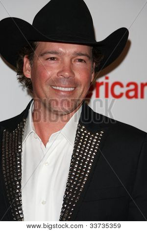 LOS ANGELES - MAY 18: Clay Walker at the 19th Annual Race to Erase MS gala held at the Hyatt Regency Century Plaza on May 18, 2012 in Century City, California