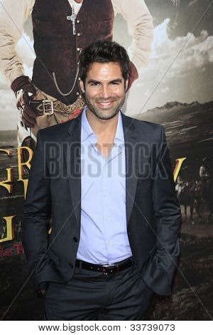 LOS ANGELES - MAY 31:  Jordi Vilasuso arriving at the