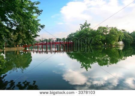 Lakesword Hoan Kiem