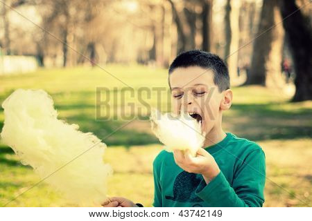 Eating Sugarwool
