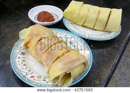 Nyonya Popiah With Chili Sauce Closeup