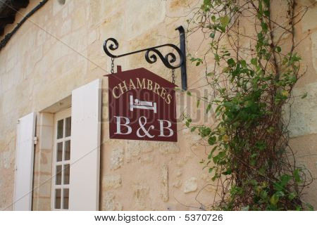 B And B Sign In France