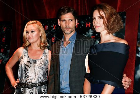 NEW YORK-AUG 19: Actors Julia Stiles (L) Eric Bana and Rebecca Hall (r) attend the 'Closed Circuit' screening at the Tribeca Grand Hotel on August 19, 2013 in New York City.