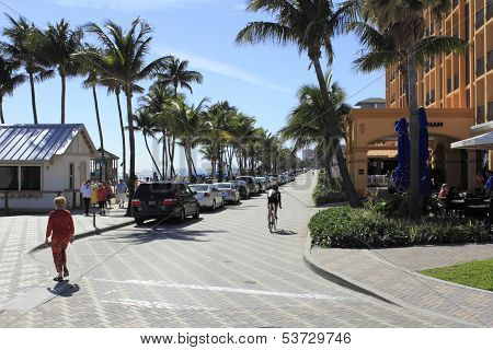 Parking Along Deerfield Beach
