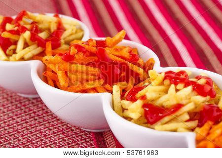 Potato Chips With Ketchup