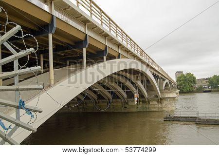 Grosvenor Bridge, Battersea
