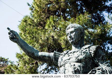 Roman Emperor Caesar Giuglio