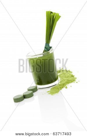 Detox. Green Food Supplement.