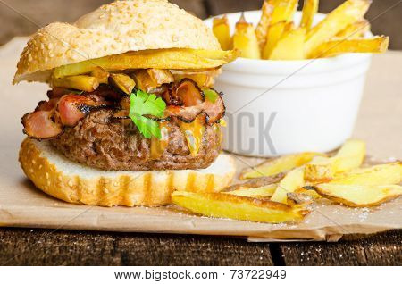 Beef Burger With Bacon, Cheddar, Homemade Fries