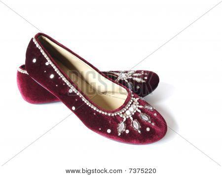 Burgundy velvet flat shoes