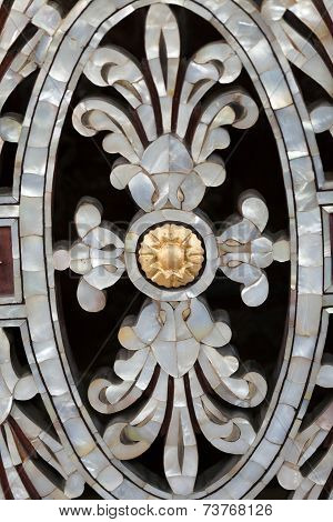 Bursa - Osman Gazi Tomb - Brass balustrade. Mother of pearl detail