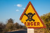 picture of skull crossbones  - Highly detailed image of Danger road sign with skull and crossbones - JPG