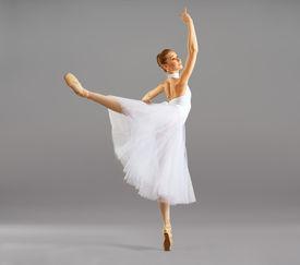foto of ballerina  - ballerina on pointe in ballet pose classical dance - JPG