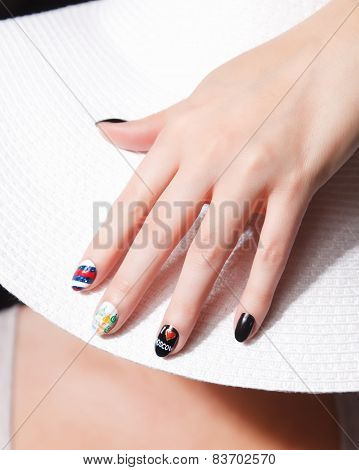 trendy International Fashion Nails