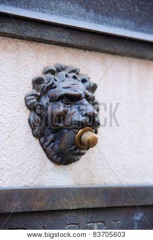 Doorbell, Venice