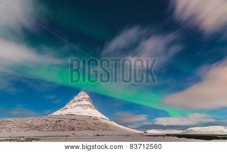 Aurora above Kirkjufell