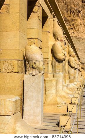 Ancient Statues In The Mortuary Temple Of Hatshepsut - Egypt