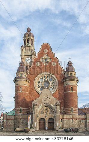 Sankt Johannes Kyrka Front Facade
