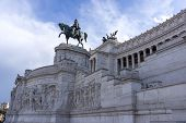 foto of altar  - Statues in Victor Emmanuele II Monument altar of the fatherland taken in the morning - JPG