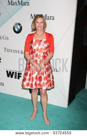 LOS ANGELES - JUN 16:  JoBeth Williams at the Women In Film 2015 Crystal + Lucy Awards at the Century Plaza Hotel on June 16, 2015 in Century City, CA