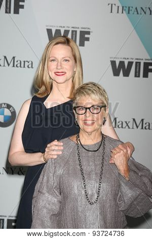 LOS ANGELES - JUN 16:  Laura Linney, Toni Howard at the Women In Film 2015 Crystal + Lucy Awards at the Century Plaza Hotel on June 16, 2015 in Century City, CA